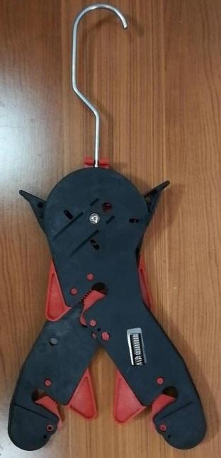metricon lobster hanger