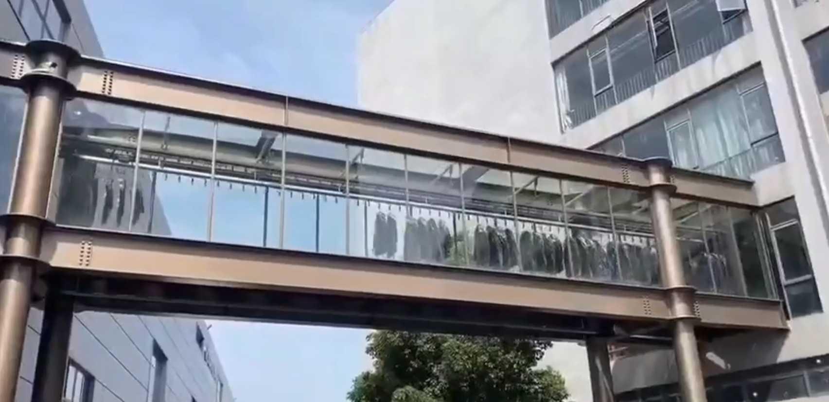 Garment Conveyor Overpass Cross Building Bridge Corridor